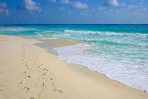 Beach Footprints Cancun.jpg